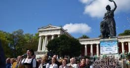 wiesn2015_standkonzert-bayern-hymne